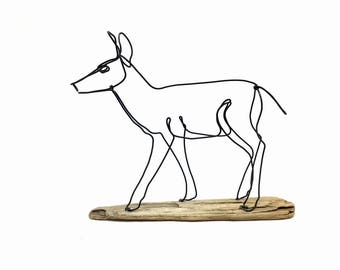 Doe Wire Sculpture, Deer Wire Sculpture, Doe Wildlife Wire Sculpture, Minimal Wire Sculpture, Deer Art, 572027508
