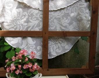 antique curtain, lace doily, shabby decor