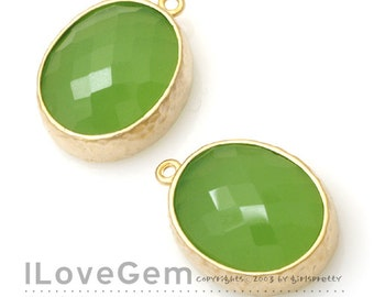 SALE / 10pcs / B2721 Matt Gold plated, Apple Green, Oval pendant, Glass pendant, Framed glass, Faceted glass charm