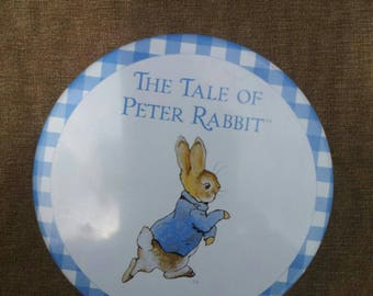 Tin metal tale of Peter Rabbit from Beatrix Potter/Beatrix potter/box of metal on metal tin/peter rabbit/frederick warne and co/rabbit