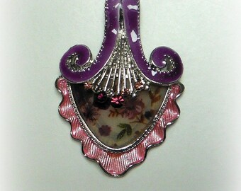 Pendant style pink & purple