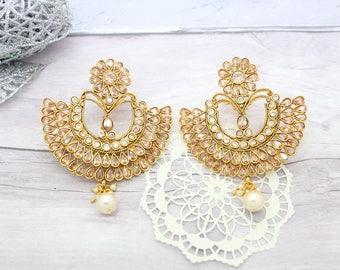 Gorgeous Pair of Antique Gold Indian Inspired Sonam Kapoor Bollywood Kundan Earrings Bridal Wedding