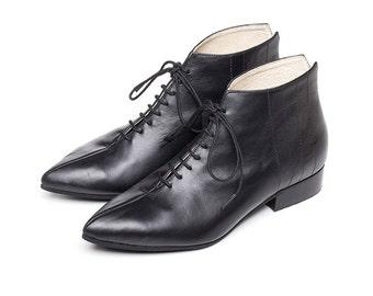 Sale 35% off! Black booties, black ankle boots, black shoes, women shoe, ankle boots, women boots, handmade shoes by Burlinca. Jarvis model.
