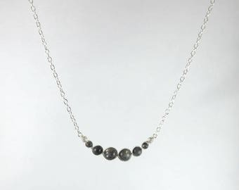 Necklace grey Labradorite beads.