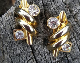 Vintage ** 80's ** Chunky ** Faux Diamonds ** Bling ** Gold ** Clip On ** Earrings ** On Trend **