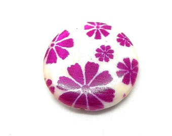 White Pearl, pink 25mm flower bead