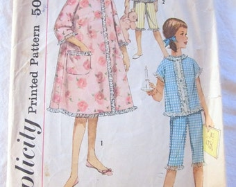 vintage SIMPLICITY 3707 sewing pattern-- Girls Robe, 2 Piece Pajamas, and Hat  (size 8)