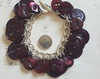 Simple Buttons Bracelet - Classic Style - Recycled Vintage - Burgundy Buttons - Ruby Wine Red - Asymmetric - 30 - Recycled Jewellery