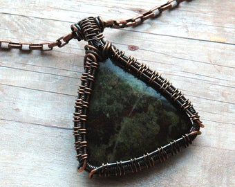 Bloodstone Jasper Pendant with Wire Weave Copper Frame, Triangle Shape Heliotrope Pendant with Chain, Semiprecious Gemstone, Special Gift