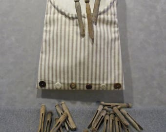 Clothespin bag and vintage clothespins