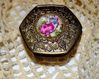 Footed Ornate Vintage Gold Cast Metal Jewelry Trinket Box Japan