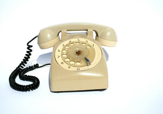 creme telefon mit w hlscheibe retro telefon alte telefon. Black Bedroom Furniture Sets. Home Design Ideas