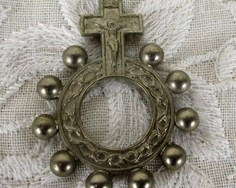 Vintage Catholic Finger Pocket Rosary Ring Crucifix Crown of Thorns Silvertone