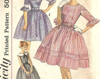 Simplicity 3782 / Vintage 60s Sewing Pattern / Dress / Size 13 Bust 33