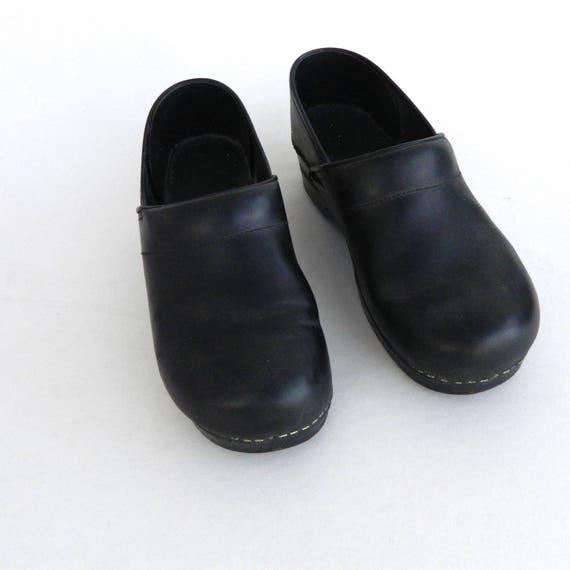 Dansko Slip On Clogs -40/9.5-10- Black Leather