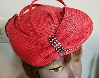 Pill box hat . Please message for any details or color sample.