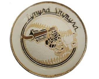 LYNYRD SKYNYRD vintage enamel pin lapel badge button tour southern rock n roll