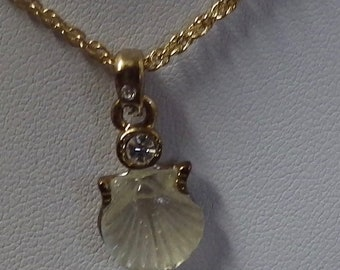 AAI White Shell Pendant With gold tone Necklace