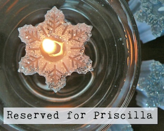 RESERVED for Priscila / Snowflake floating candles pine scented / Grey snowflakes with silver glitter / Winter Holiday Christmas Decor