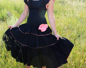 ANTIQUE ROSE Dream Dress 1930's Vintage Formal Black and Pink Drop Waist Classic Layers of Taffeta Pink Rose Aplique