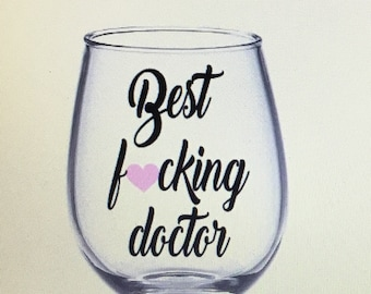 Doctor gift. Doctor wine glass. Dr wine glass.  Dr gift. Gift for doctor. Resident gift. Doctor to be gift.