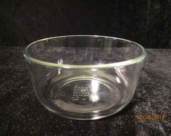 Pyrex #7201 Clear 4 Cup 950 ML Mixing Bowl