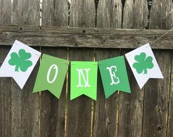 St Patricks day banner. Irish birthday banner. Clover banner. One banner. High chair banner. Green 1st birthday .