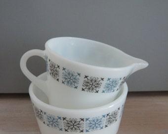 JAJ Chelsea Pyrex Milk or Cream Jug & Sugar Bowl Set 1960s Retro Vintage Mid Century