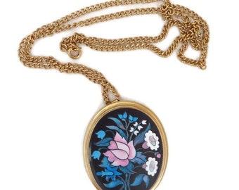 AVON Flower Pendant Necklace - Vintage 1980s Gold Tone Large Pendant Necklace, Gift for Her, Gift Boxed