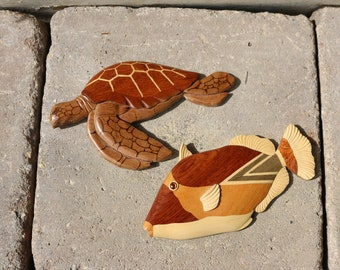 LE Family Wood Art Parrot Fish and Sea Turtle