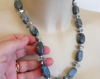 Necklace - grey marbled graduated plastic chunky beads necklace