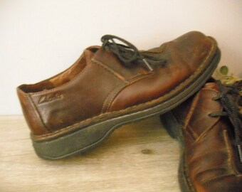 Vintage brown leather loafers 9 1/2 ... vintage Clarks Active Air ... mens lace up oxfords