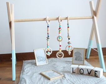 Baby wooden gym with 3 gym toy / ECO friendly baby toy pain / Stylish nursery decor