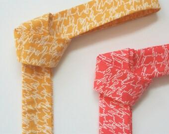 Skinny Tie- Coral Scribble print