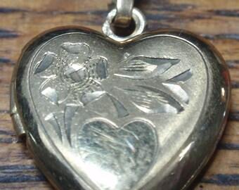 Vintage 12K gold filled heart locket