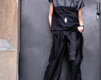 NEW Short Sleeves Loose Black T shirt / Real Leather Application / Asymmetric Tee / Spring Top A12009
