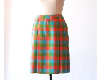 vintage 1960s skirt / 60s plaid wool skirt / size small