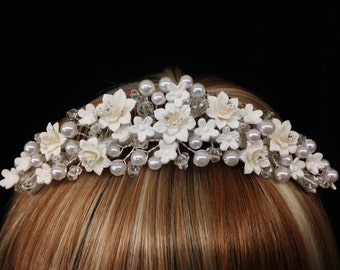 Vintage blooming floral bridal comb with gorgeous flower, pearl, rhinestone and bead detail! Hair Accessory for Wedding, Prom, Flower Girl!