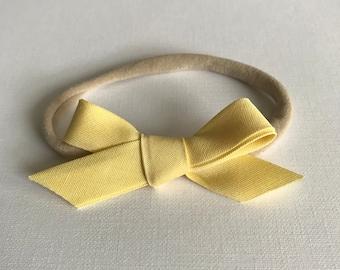 Quinley Bow in Lemon