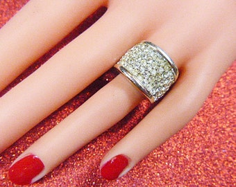 Vintage Gold Pave Rhinestone Band Ring - Size 5.5 - R-337