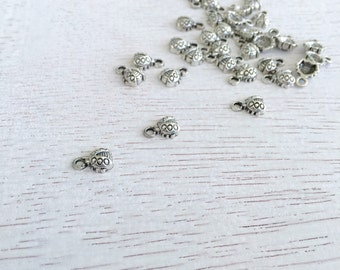 10 Small Antique Silver Ladybug Charms,Ladybug Pendant,Jewelry Making,Tiny Charms,Silver Ladybug Charms 12x7mm Lot #203