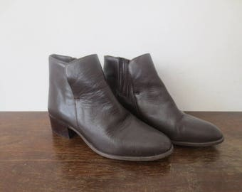 Vintage '90s Hunt Club Dark Brown Leather Slip-On Ankle Boots, US Women's 7