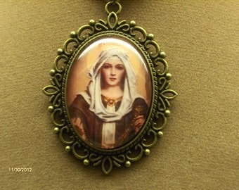 Virgin Mary pendant - Our Lady of the Rosary - FREE SHIPPING