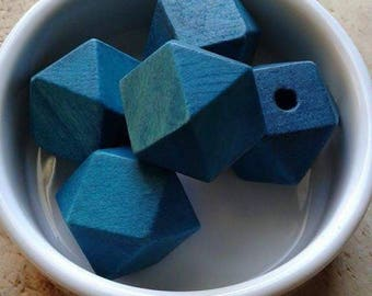 Set of 5 wooden beads form geometric peacock blue 25mm