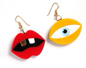 Seeing double (Acrylic Earrings)