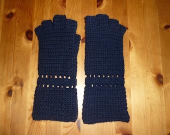 Fingerless gloves for little hands
