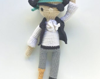 Hank the pirate -Crochet pattern/amigurumi