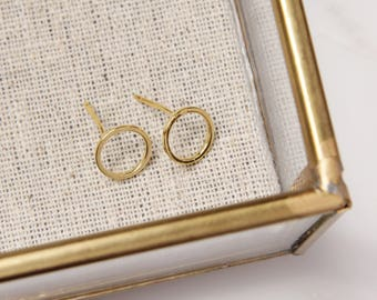 Dainty Circle Earrings, Vermeil Gold Geometric Earrings, Tiny circle earrings. Gold earrings, minimalist earrings, modern earrings.