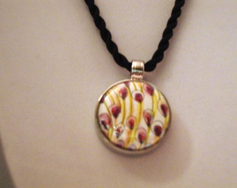 Magnetic Pendant with 5 Free Interchangeable Inserts