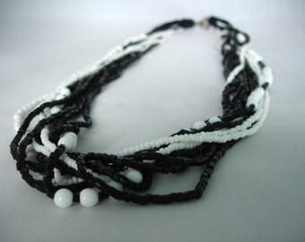 Collier de perles de graine multicouche noir & blanc - mode Bijoux - Collier Summer - multibrins - perles - idée cadeau